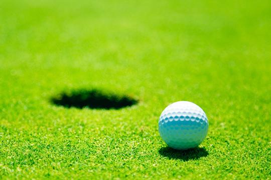 Sugar en mode sport chic au golf de valescure